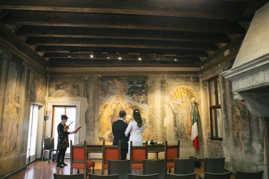 panoramica sala affreschi verona