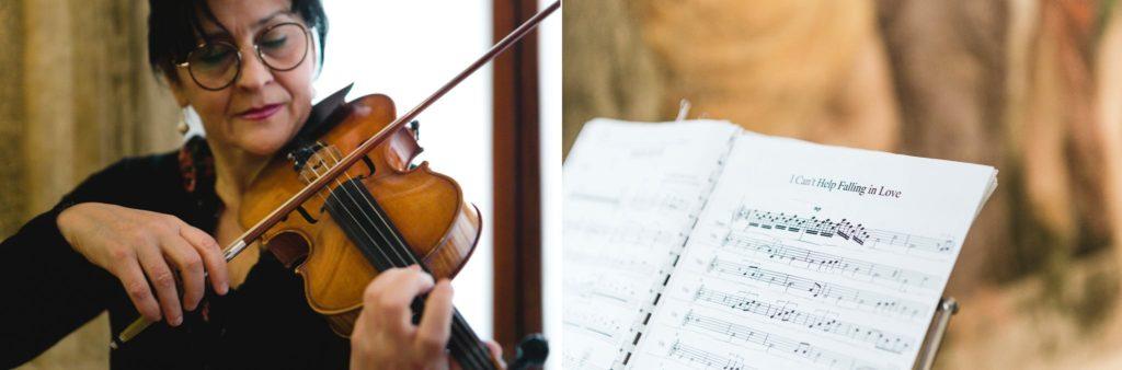 violinista che suona con spartito